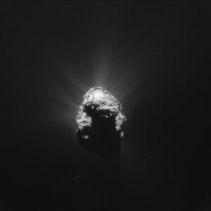 Kometa 67P/Čurjumov-Gerasimenko vyfocená 25. června kamerou NavCam ze vzdálenosti 168 kilometrů. Rozlišení snímku je 14,3 m/pixel.