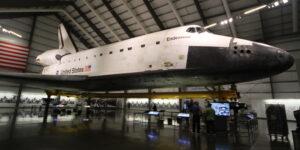 Endeavour v California Science Institute. Foto: Gene Blevins / LA Daily News