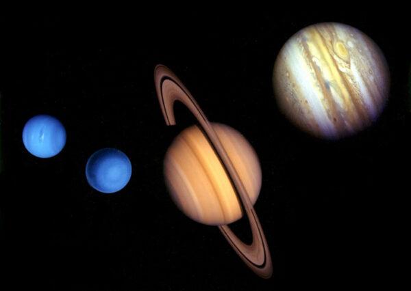 Porovnání velikostí vnějších planet Sluneční soustavy - fotky pochází ze sondy Voyager 2