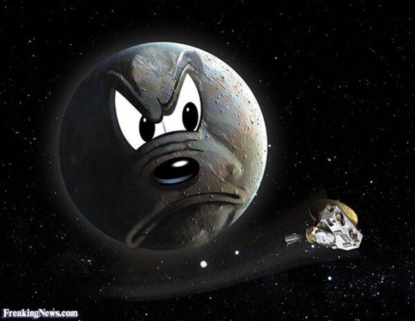 Pluto se evidentně zlobí
