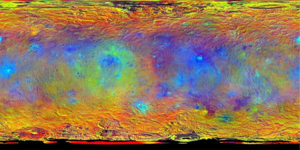 Tato velmi zajímavá mapa vznikla během snímkování ve výšce 1450 kilometrů. Snímek vznikl složením fotek pořízených přes infračervený (920 nanometrů), červený (750 nanometrů) a modrý (440 nanometrů) filtr. Červená místa značí oblasti, které velmi dobře odráží infračervené záření, modrá místa naopak lépe odráží krátkovlnné (modré) paprsky.