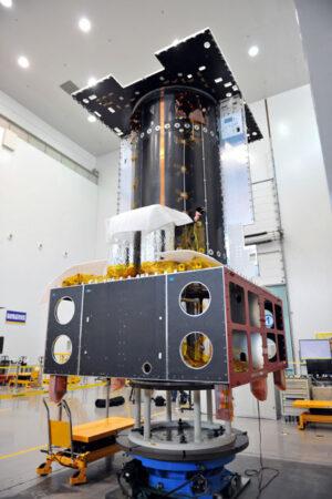 Družice Apstar 9