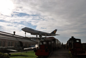 Boeing 747, který ční nad areálem muzea ve Speyeru