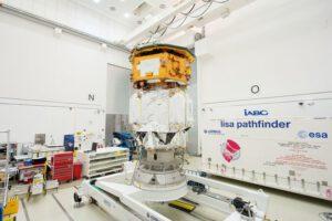 LISA Pathfinder v testovací místnosti firmy iABG u Mnichova (foceno na konci srpna 2015)