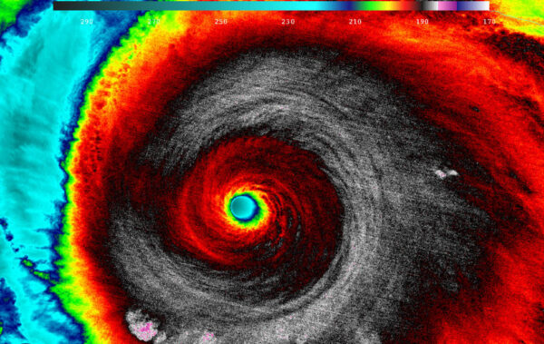 Infračervený snímek hurikánu Patricia
