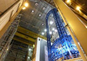 Svářecí středisko Vertical Assembly Center v Michoudově středisku - tady se budou svařovat první stupně rakety SLS.