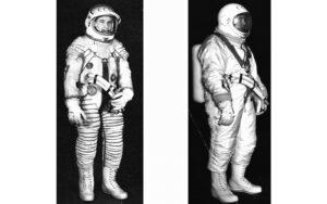 """Skafandr Berkut (vlevo skafandr samotný, vpravo s """"převlečníkem"""")"""