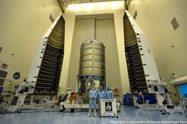 Loď Cygnus s krytem rakety Atlas V