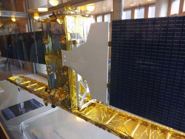 Model družice Sentinel 1