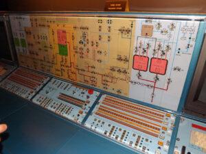 Kontrolní panel třetího stupně rakety Ariane 4 z kosmodromu v Kourou