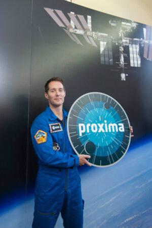 Thomas Pesquet s logem mise Proxima