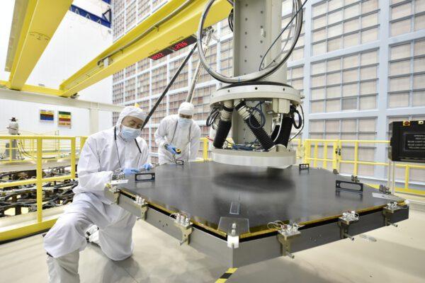 Hlavní segment zrcadla dalekohledu Jamese Webba