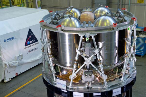 K letovému exempláři servisního modulu budou připojeny solární panely s rozpětím 19 metrů