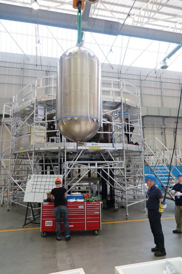 Instalace nádrží do testovacího servisního modulu