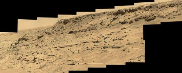 Sol 538 - mozaika ze snímků kamery MastCam