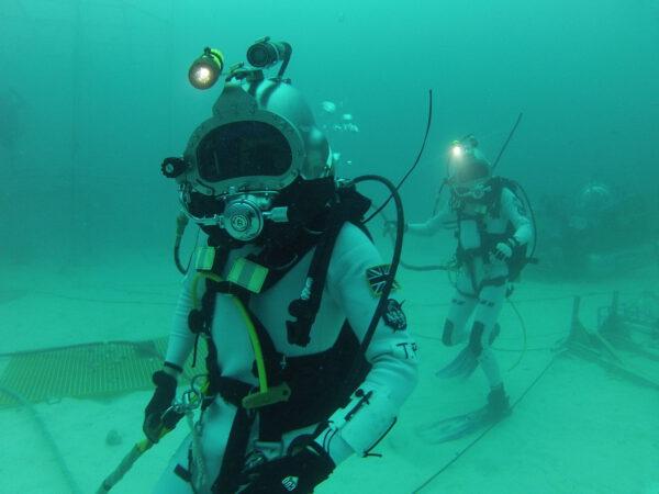 Tim Peake při podmořské misi NEEMO 16