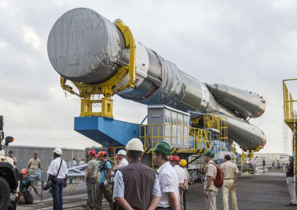Na tomto snímku je skvěle vidět chybějící vrchol rakety