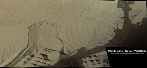 Jemný prach v okolí duny Namib vyfocený kamerou MastCam