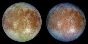 Jupiterův měsíc Europa nafocený sondou Galileo - levý snímek zachycuje reálné barvy, ten napravo potom vznikl složením fotek pořízených přes fialový, zelený a infračervený filtr
