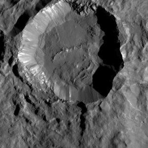 Kráter Kupalo na povrchu Ceres. Foto: NASA/JPL-Caltech/UCLA/MPS/DLR/IDA