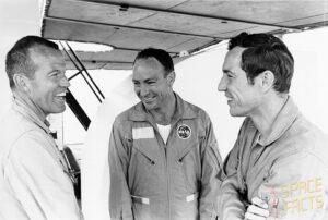 Záložní posádka Apolla 10 (zleva: Cooper, Mitchell, Eisele)