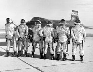 Pilotům X-15 nechyběl smysl pro humor...