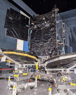 Vynášená družice SES-9.