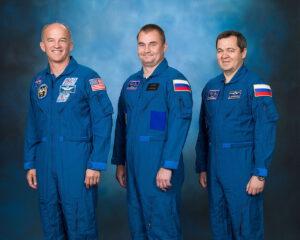 Posádka Sojuzu TMA-20M - zleva - Jeffrey Williams - Alexej Ovčinin - Oleg Skripočka