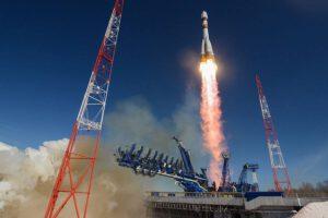 Sojuz se satelitem Bars-M startuje