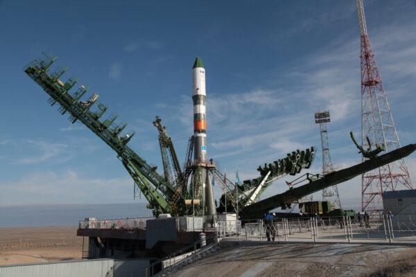 Raketa Sojuz 2-1A na startovní rampě