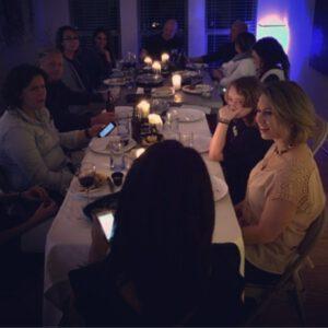 První společná rodinná večeře po návratu na Zemi