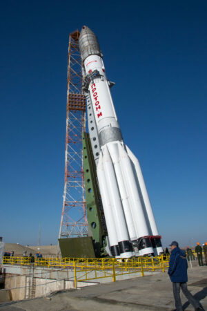 Raketa Proton-M s misí ExoMars 2016
