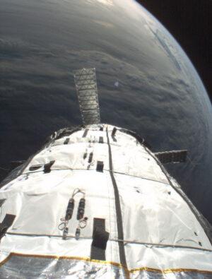 Pohled z kamery na modulu Genesis I.