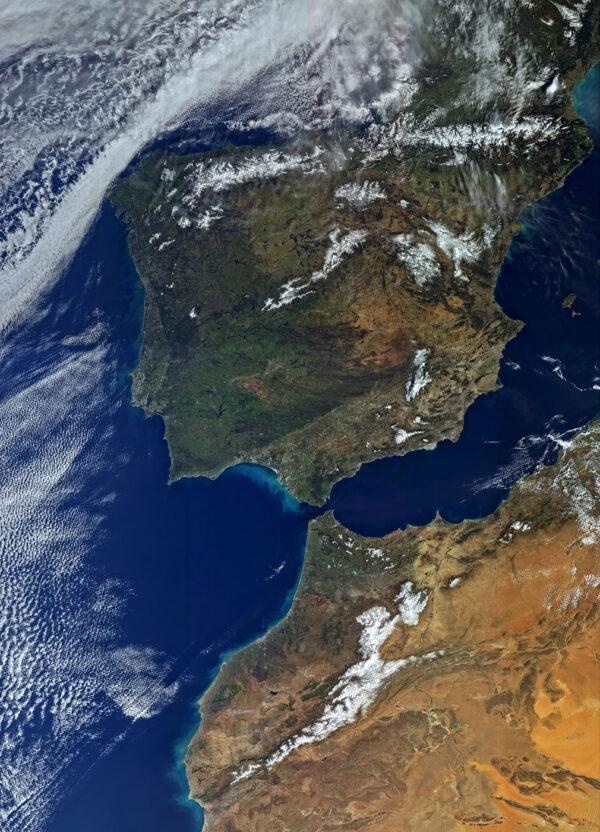 Pyrenejský poloostrov a severozápad Afriky pohledem kamery OLCI na Sentinelu 3A