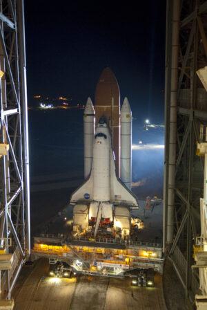 Vývoz raketoplánu Endeavour na misi STS-134
