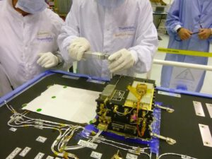 Stavba systému Electra pro sondu TGO