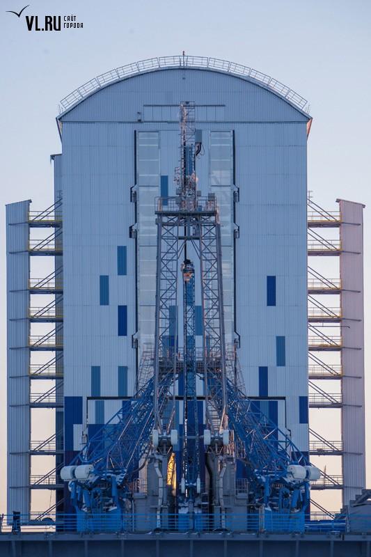Další pohled na obslužnou věž