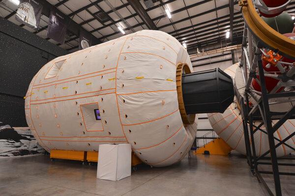 Maketa modulu BA330 v plném měřítku.