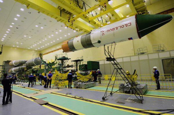 Kompletace celé rakety.