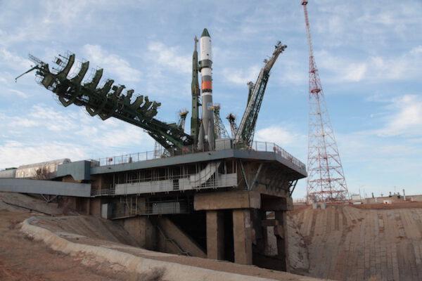 Sojuz připraven na start.