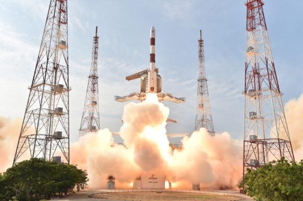 PSLV XL úspěšně vynáší navigační satelit