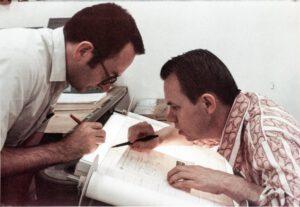 """Charles """"Ed"""" Whitsett (vlevo) - muž, jehož úsilí přetvořilo ideu MMU ve skutečnost."""