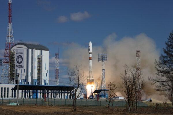 Sojuz 2-1A startuje z kosmodromu Vostočnyj