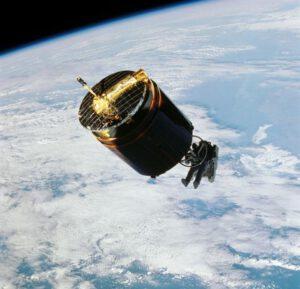 Labutí píseň MMU: Dale Gardner zachycuje satelit Westar VI.