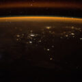 Noční pohled na Zemi z ISS