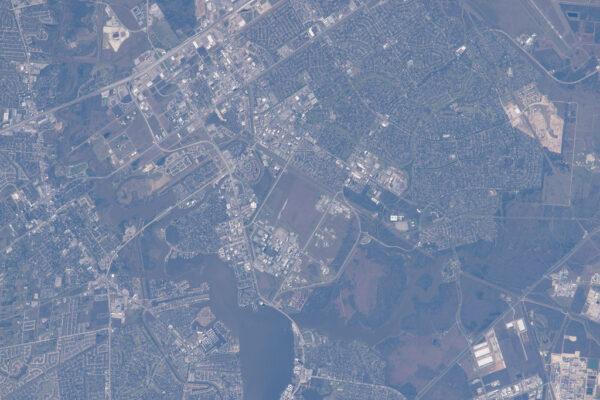 Domov astronautů NASA - středisko JSC objektivem Scotta Kellyho