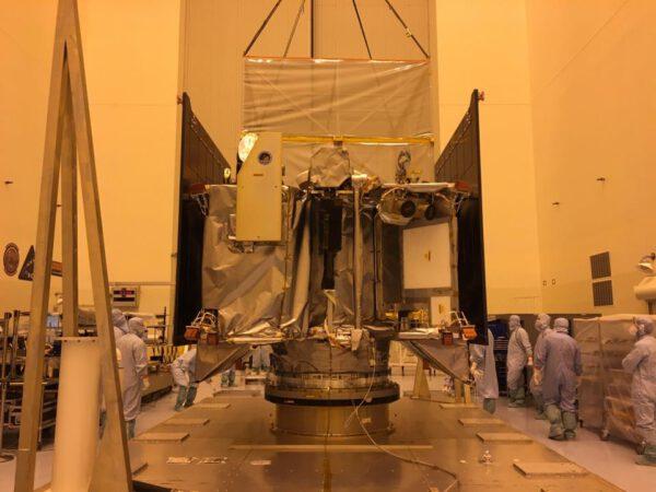 Sonda OSIRIS-REx v plné kráse