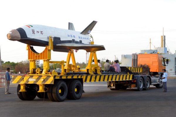 Převoz RLV-TD na místo startu
