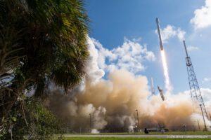 Falcon 9 startuje s Thaicomem 8