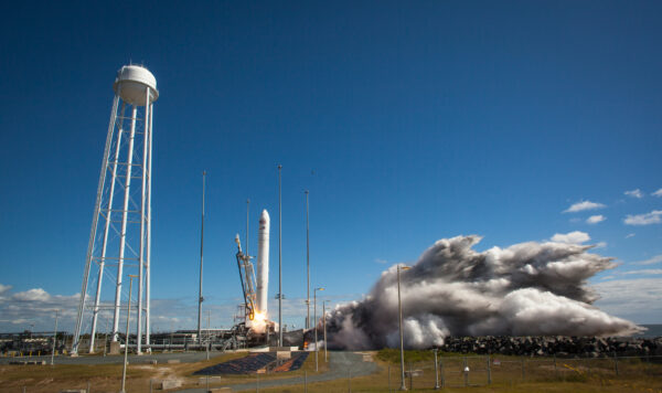Start rakety Antares.